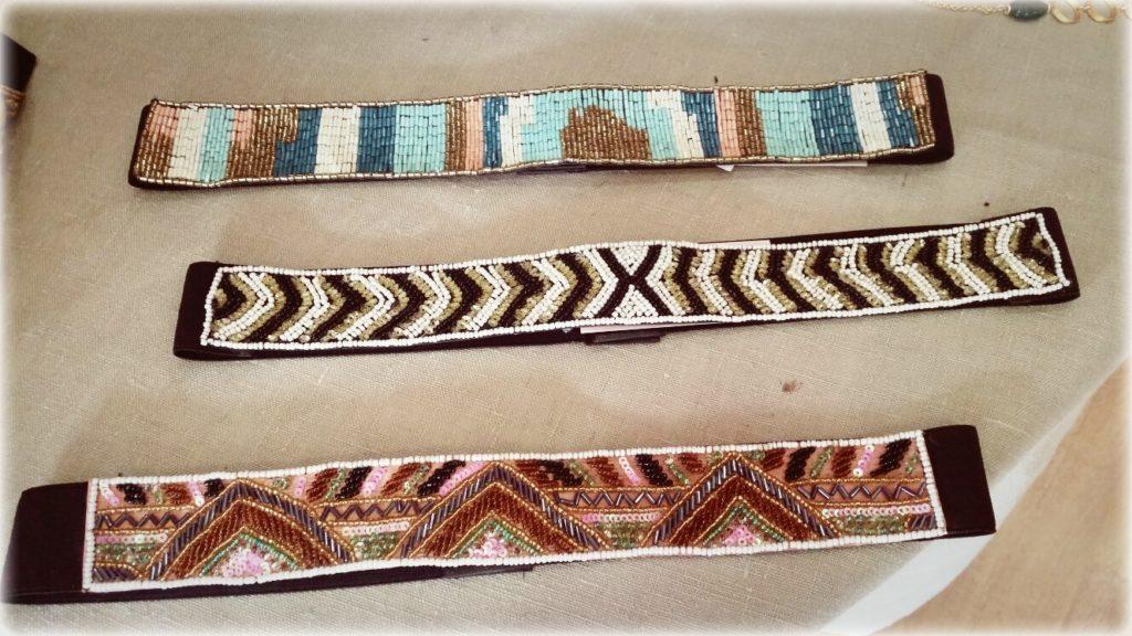 Cinturones de abalorios