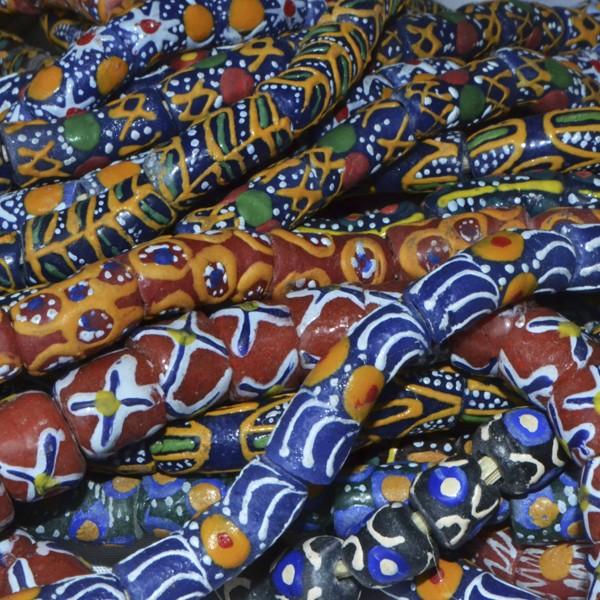 Cuentas Krobo variadas africanas