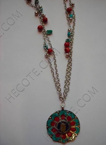 colgante tibetano con cadena